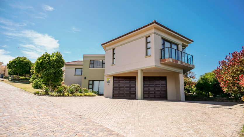 Petro Properties House For Sale MB095- (1)